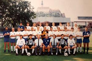 Mužstvo FC Nitra, ktoré v sezóne 1991/92 vybojovalo postup do posledného ročníka federálnej ligy. Trénerom bol Karol Pecze.