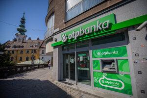 Na due diligence OTP Banky sa podieľali viaceré veľké právnické kancelárie. Banku kúpila skupina KBC, matka ČSOB.