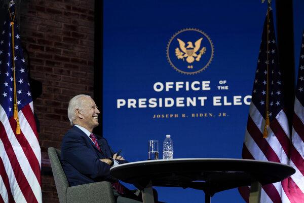 Joe Biden už vytvára svoj vládny tím.