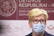 Nová litovská premiérka Ingrida Šimonyté odpovedá na otázky novinárov v parlamente vo Vilniuse 24. novembra 2020.