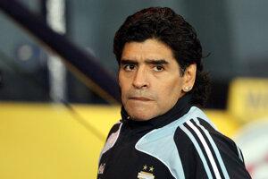 Ako tréner Argentíny počas prípravného zápasu jeho zverencov so Škótskom v Glagowe 19.novembra 2008.
