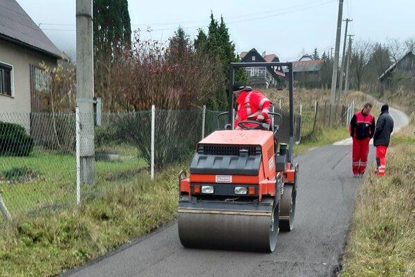 Nová cesta v osade U Repčíkov v Zákopčí.