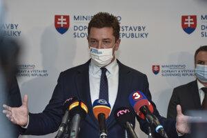 Minister dopravy a výstavby SR Andrej Doležal (nominant Sme rodina).
