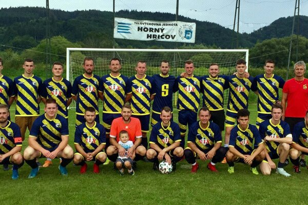 Mužstvo TJ Horný Hričov v sezóne 2020/2021.