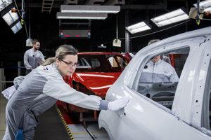 Výsledok ovplyvnila najpodstatnejšia trieda zahraničného obchodu Slovenska: automobilový priemysel.