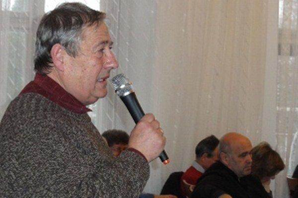 Riaditeľ Záhradníckych služieb Marián Tomajko je už roky posledným šéfom mestského podniku, ktorého nemá pod kontrolou primátor, ale poslanecký zbor.