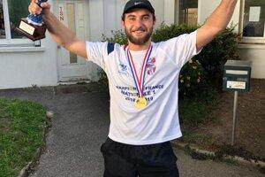 Šampión druhej francúzskej vodnopólovej ligy Martin Hrivnák