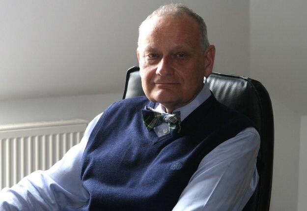 Prof. MUDr. Jaroslav Slaný, CSc., dekan FZaSP TRUNI