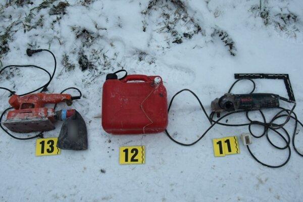 Niektoré z kradnutých vecí polícia zaistila.