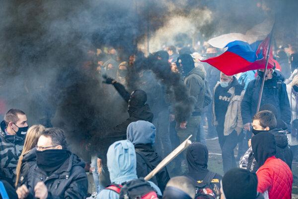 Počas novembrového protestu.