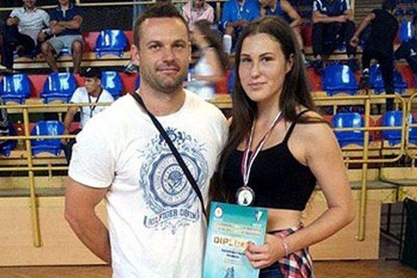 Karin Bahelková s trénerom Pavlom Švecom.