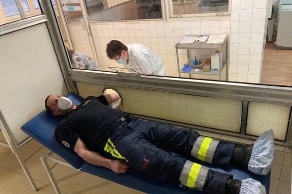 Krv darovali aj hasiči z Korne.