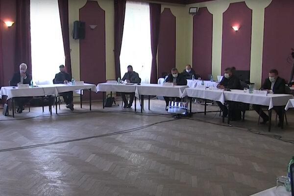 Moldavskí poslanci.