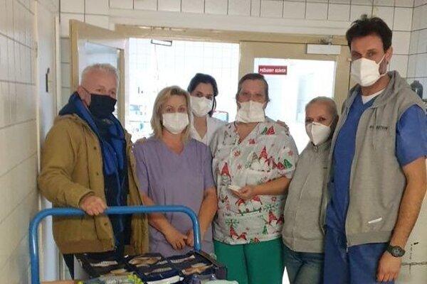 Nitrianski zápasníci zorganizovali zbierku pre zdravotníkov.