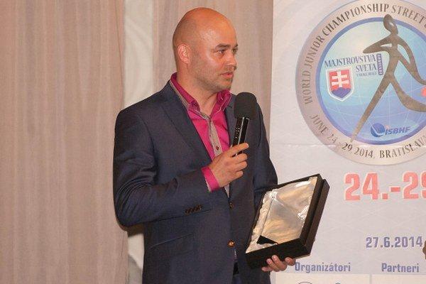 Najlepší hokejbalista sveta za rok 2013 Stano Petrík na slávnostnom odovzdávaní cien.