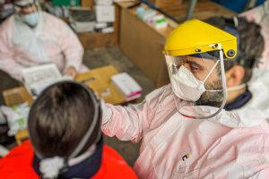 Aj zamestnanci záchranky sa pravidelne testujú.