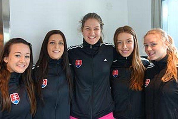 Zľava Katalin Szabó, Martina Blehová, Simona Mesárošová, Viktória Juríková a Alexandra Bosáková.