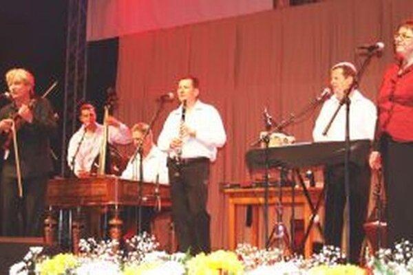Súbor Hradišťan má nadžánrový repertoár.