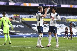 Harry Kane a Son Heung-min (vpravo) z Tottenham Hotspur.