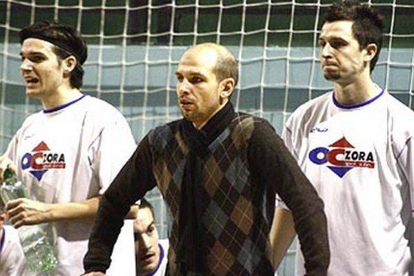 Matej Gála je už pár rokov trénerom Veľkého Zálužia, ktoré patrí medzi popredné tímy I. triedy. V mládežníckych rokoch bol dokonca reprezentantom Slovenska.