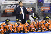 Jan Šťastný na striedačke HC Košice.