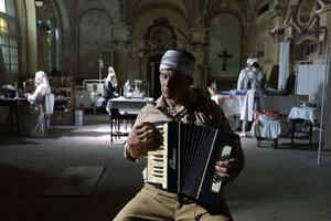 Záber z filmu Mlčanie.
