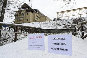 Rodinné lyžiarske stredisko Ski Ráztoka v prihraničnej obci Horná Mariková.