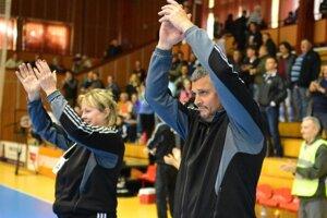 Šaľa mala lepšiu sezónu ako vlani. Tréner Rudolf Petrikovič vo svojej premiére na lavičke hádzanárok Dusla nesklamal.