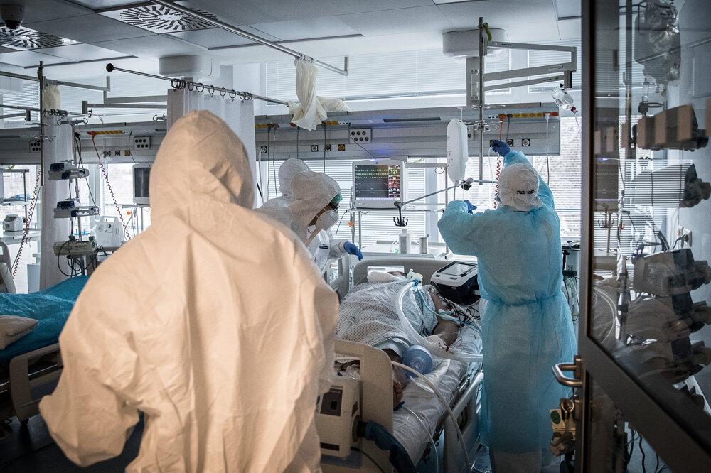 Oddelenie anesteziológie a intenzívnej medicíny (OAIM), na ktorom ležia pacienti s najťažším priebehom ochorenia vybudoval Svet zdravia za 1,23 milióna eur. Väčšina peňazí bola z eurofondov.