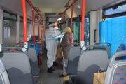 V Martinskej časti Kolónia Hviezda sa testuje v pristavenom autobuse.