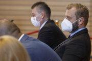 Minister vnútra Roman Mikulec a predseda Výboru NR SR pre obranu a bezpečnosť Juraj Krúpa (obaja OĽaNO).