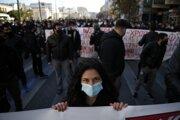 Protestovali tisícky študentov.