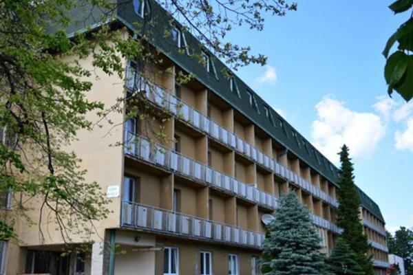 Budova bývalého internátu vo Voderadoch