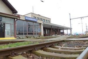 Osobné vlaky na trati Zlaté Moravce - Kozárovce zrušili v roku 2003.