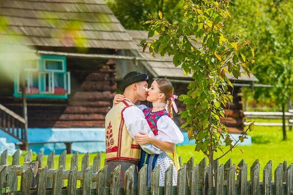 Láska v podaní folkloristov z PUĽS-u.