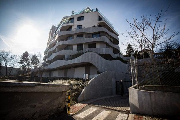 Robert Fico si v rezidencií Sokolská prenajal byt od Dušana Muňka