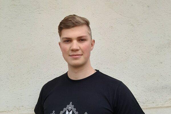 Maturant Pavel Chmelko.