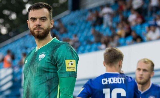 Vyzerá to tak, že Nitra si udržala brankára Dávida Šípoša, najlepšieho hráča tímu.