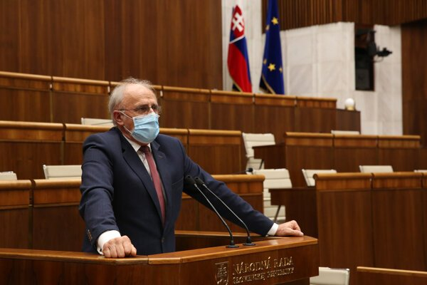 Minister Ján Mičovský