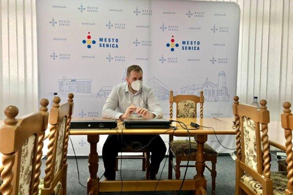 Vyhlásenie primátora k otváraniu základných a materských škôl v Senici.