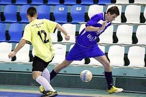 Patrik Zaťovič prispel tromi gólmi k tesnému víťazstvu futsalistov.