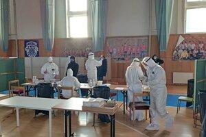 Plošné testovanie v Pezinku (13.-14. februára 2021).