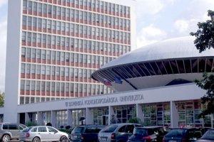 Rektor Slovenskej poľnohospodárskej univerzity dal príkaz, podľa ktorého sa plagiáty nedajú požičať v univerzitnej knižnici.