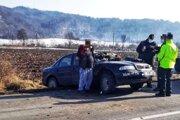 Jazdi alebo zomri, hlásalo po anglicky heslo na nárazníku auta v ktorom unikal policajtom hľadaný muž.