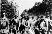 Ustašovci deportovali do lágra Jasenovac Srbov, Rómov, Židov, ale aj množstvo ďalších ľudí bez ohľadu na pohlavie, vek, národnosť či vierovyznanie.