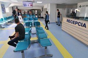 V čakárňach u lekárov nie sú žiariče ničím nezvyčajným.