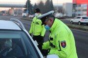 Počet policajných kontrol sa od 3. marca zvýšil.