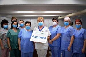 Personál infekčného oddelenia získal ocenenie za obetavú prácu.