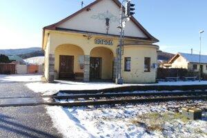 Budova železničnej zastávky v Detve.