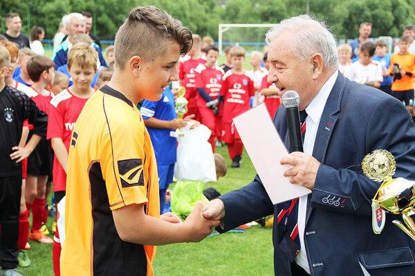 Vladimír Mušák starší je predsedom Oravského futbalového zväzu už viac ako 20 rokov.